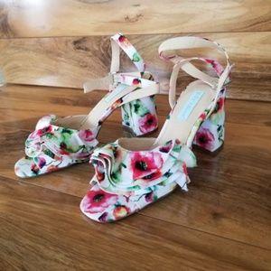 NWOT Betsey Johnson FLIRT Floral Block Heels
